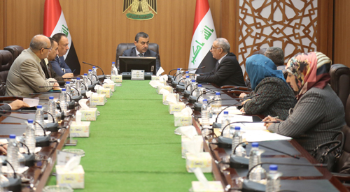 Secretary General of the Council of Ministers presides over the meeting of the Committee to reform the ration card in preparation for evaluation and dissemination of the experimental environment in Najaf 2018-12-24