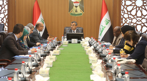 Secretary General of the Council of Ministers chairs the meeting of the Supreme Executive Committee for the integrated survey of the social and health conditions of women in Iraq 2019-02-06