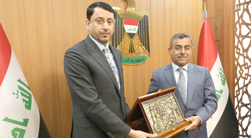 Hamid al-Ghazi officially receives the post of Secretary-General of the Council of Ministers from his predecessor d. Mehdi Alalak 2019-04-24-5