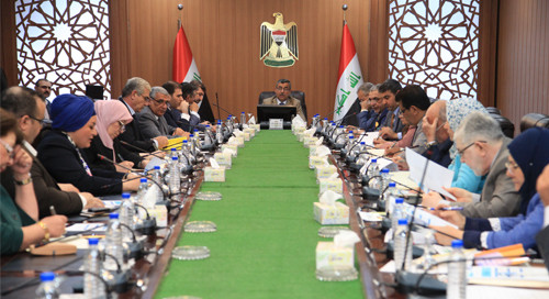 Secretary-General of the Council of Ministers presides over a preparatory session in preparation for the conference (Development of the Iraqi economy) 2019-04-24